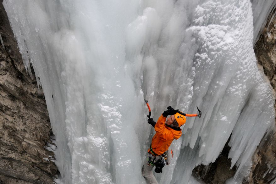 Ice climbing in the Stubachvalley