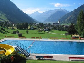 The outdoor swimming pool Rauris - SalzburgerLand